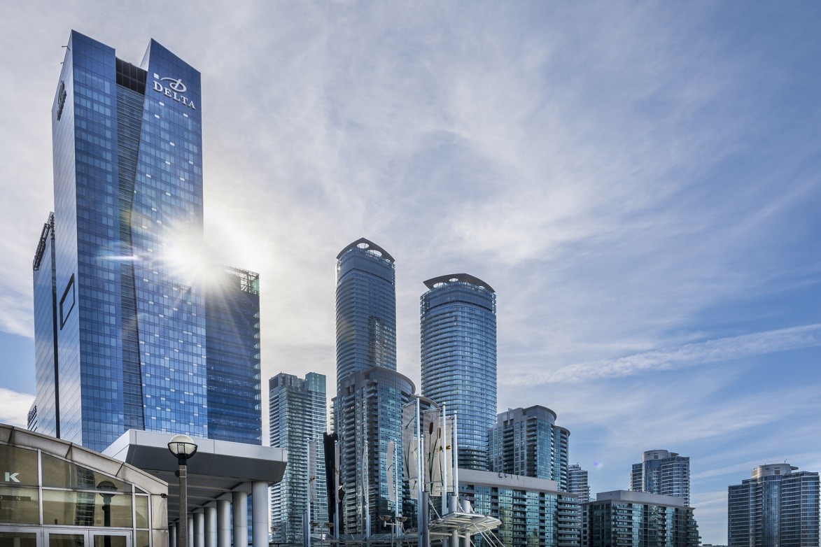 4 Reasons to Invest in Condos in Toronto & the GTA
